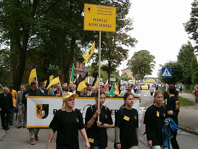 Zjazd Kaszubów w Kościerzynie. Przemarsz (3423)