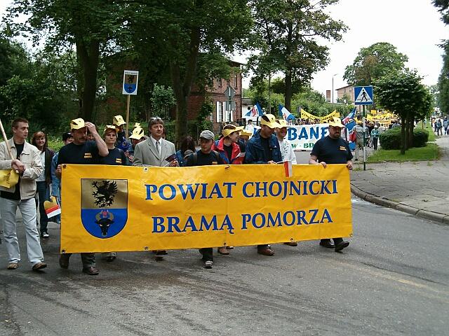 Zjazd Kaszubów w Kościerzynie. Przemarsz (3428)