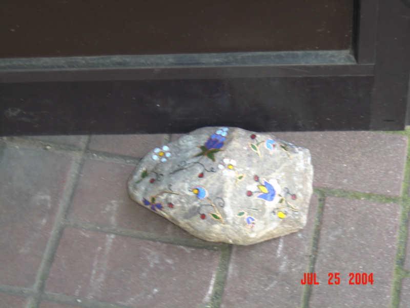 Haftowany kamień