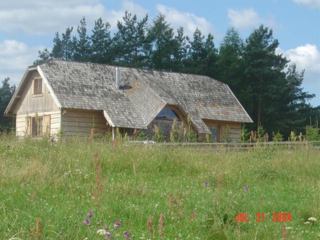 Szklana Huta. Współczesny dom zrębowy