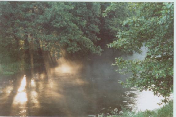 Wda pod Odrami tuż po wschodzie słońca