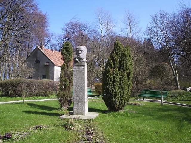 Pomnik S. Żeromskiego