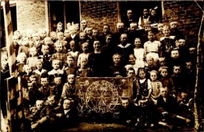 Szkoła Powszechna Borowy Młyn w 1922 r