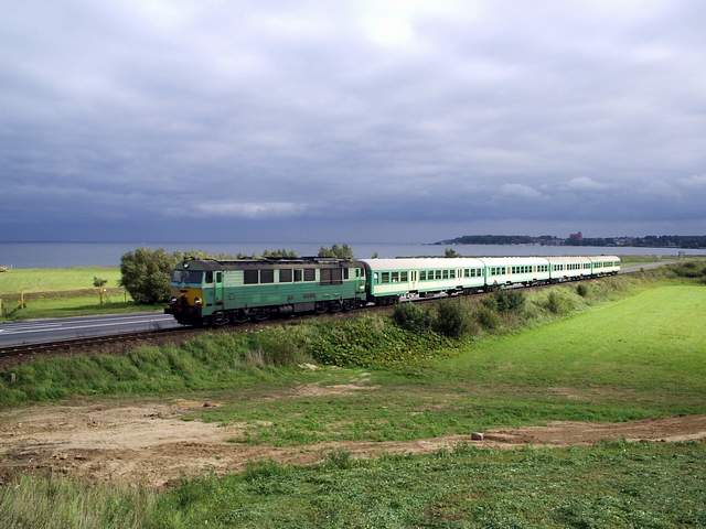 Pociąg nad zatoką
