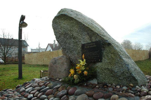 9 grudzień 2006r. Uroczystość poświęcenia pomnika Pamięci Mjr Rysia
