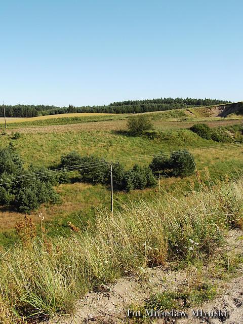 Nasyp na nieistniejącej linii kolejowej Kościerzyna-Sikorzyno-Gołubie