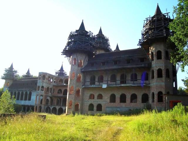 Zamek w Lapalicach