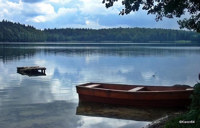 Jezioro Białe na Pojezierzu Kaszubskim