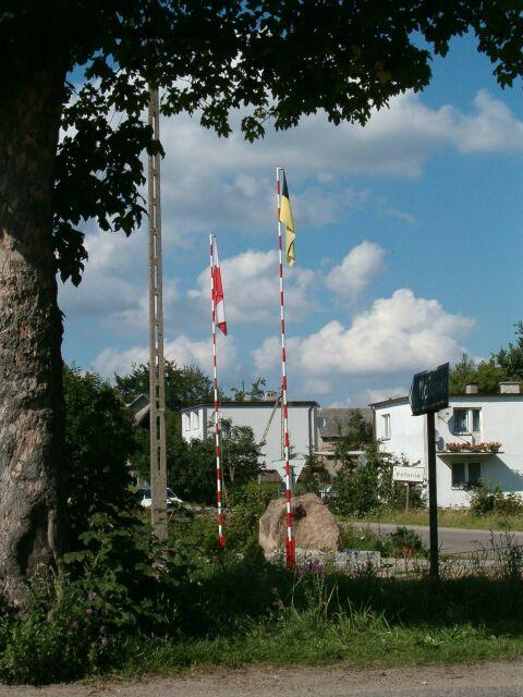Kolonia - pomnik jubileuszowy