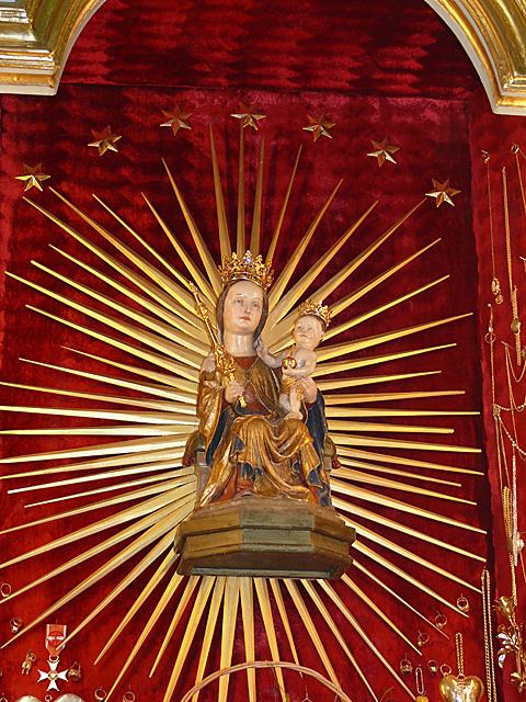 Figura MB Sianowskiej Królowej Kaszub