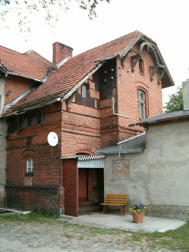 Czarna Dąbrówka - budynek stacji