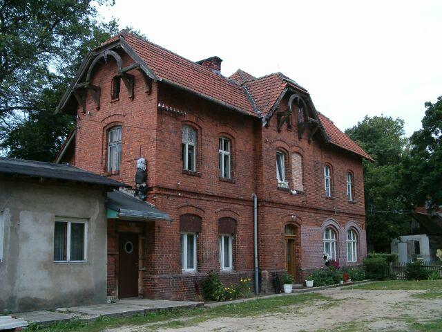 Czarna Dąbrówka - budynek stacji 2