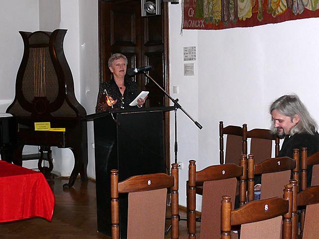 Tradycja i inspiracje w widowiskach folklorystycznych na Krajnie