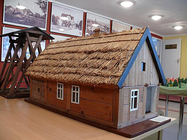 Makieta chaty krajeńskiej z Orzełka