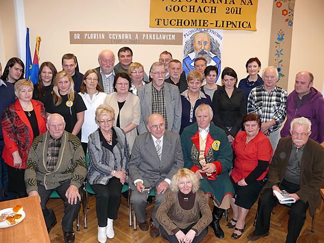 Pamiątkowe zdjęcie uczestników