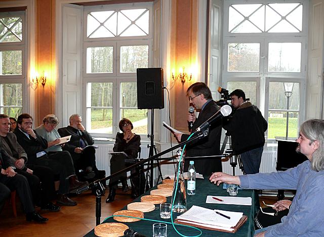 Prof. Miloš Řeznik z Chemnitz opowiada o czeskich kontaktach Ceynowy