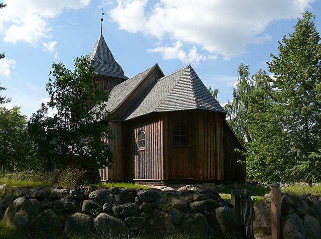 Wdzydze Kiszewskie - kościółek św. Barbary