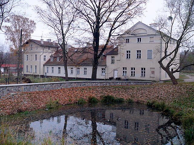 Dwór w Kolibkach od strony Kolibkowskiego Potoku