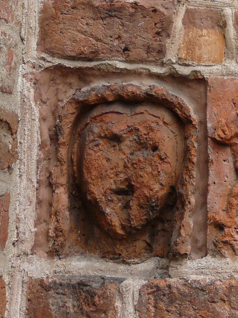 22 Drawsko - głowa mniszki (portal południowy)