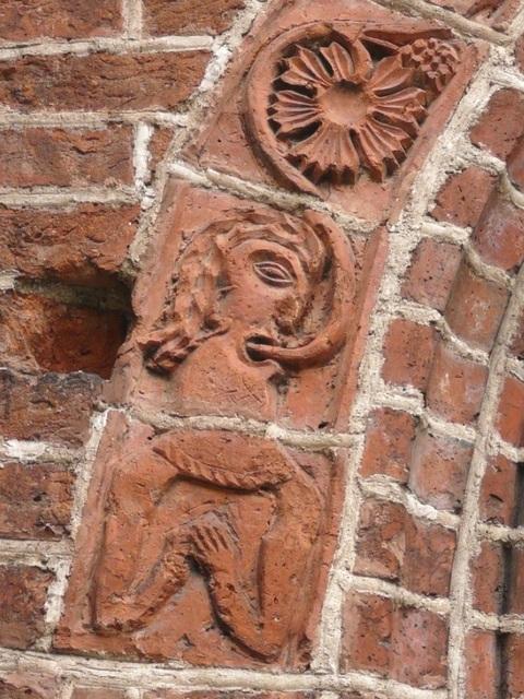 34 Drawsko - postać Ewy (portal południowy)