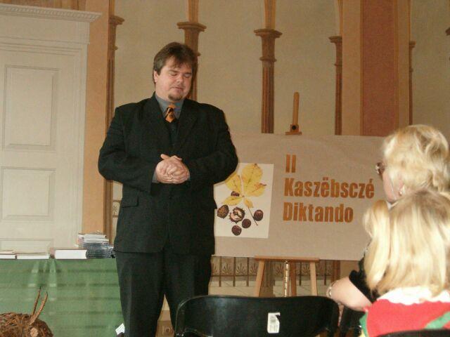 Artur Jabłoński przemawia