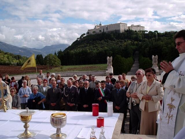 03-11-01 Kaszubi na Monte Cassino