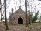 Borkowo Lęborskie. Zdewastowany grobowiec rodziny Tesmar.