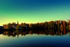 Kartuzy - jezioro Klasztorne, widok na kolegiatę .