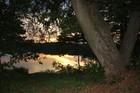 wieczór nad jeziorem Mausz