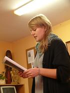 Gracjana Potrykus prezentuje swój wiersz o Remusie