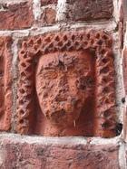 23 Drawsko - głowa dworki (portal południowy)